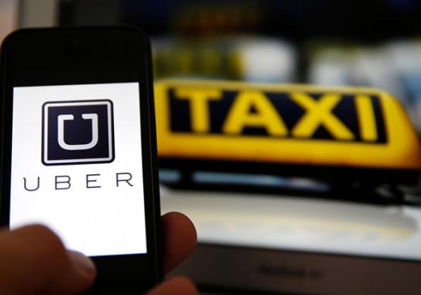 Un chauffeur de taxi perd sa licence au motif qu'il se prénomme «Hubert».